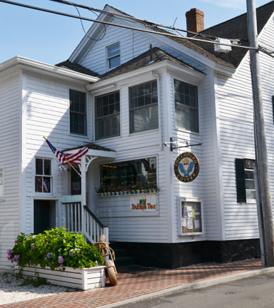 Toccopuro Coffee, South Water St., Edgartown