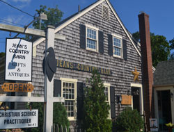 Jean's Country Barn, Main St., Rt. 28, Harwich Port, Ma.
