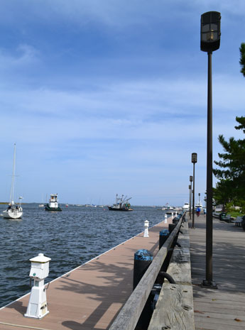 Waterfront Park boardwalk along Merrimack River, Newburyport, Mass.
